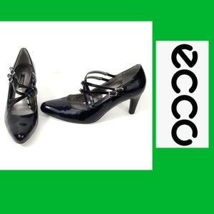 ecco Black Patent Leather Strappy Low Heel Size 38